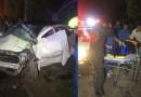 รถเก๋งพุ่งชนรั้วบ้าน ใกล้ บ้านเจ้าเวช ถนนสายลำปางแจ้ห่ม เจ็บสาหัสหนึ่ง ตายหนึ่ง