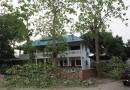 พายุฤดูร้อนเข้าลำปาง คืนวันที่ 28เม.ย.59 ต้นไม้ เสาไฟฟ้า อาคารบ้านเรือนเสียหาย